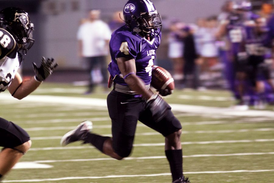 Senior running back Antwan Ivey during the homecoming game.