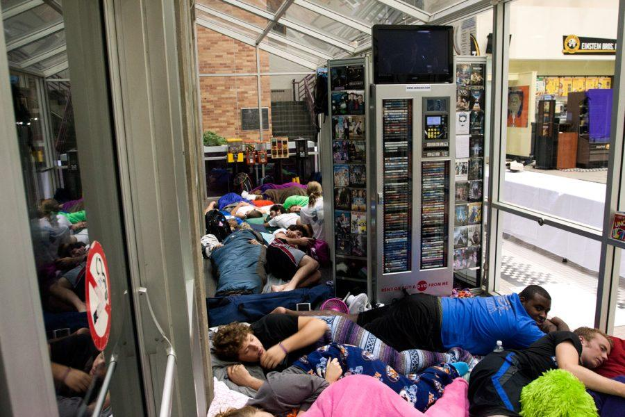 Students tried to catch some shut eye in the GUC before Einstein Bros. Bagels gave out free breakfast for a year to the first 50 students Tuesday morning.
