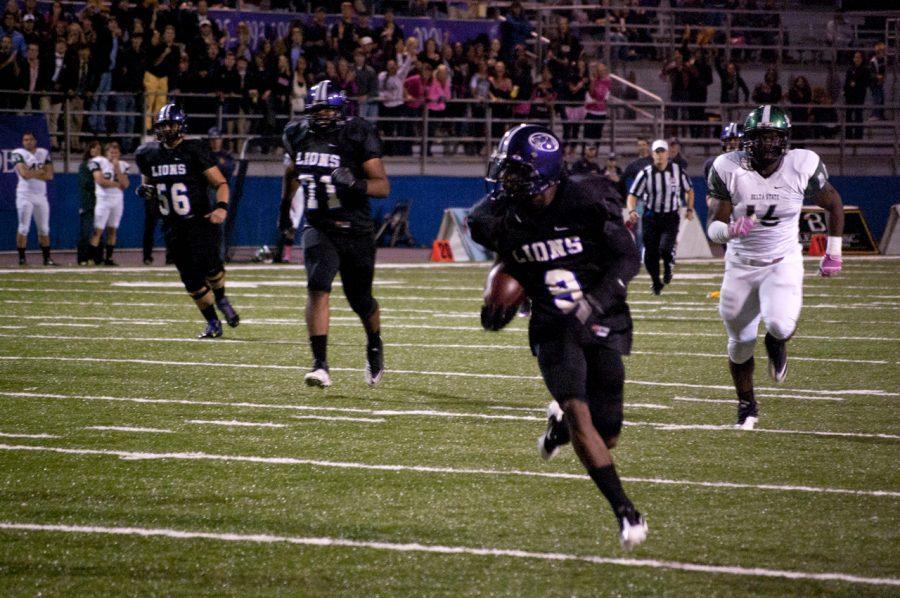 Miliam runs down the field