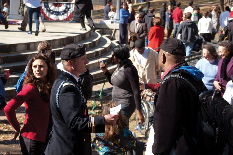 Veterans+and+members+of+the+UNA+community+gather+Nov.+11.%0A