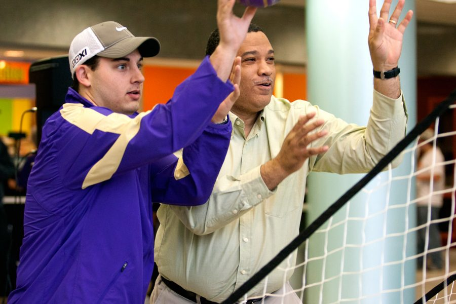 UNA Student Zach Conley competes against Womens Basketball Coach Terry Fowler for Frostbite coupons.