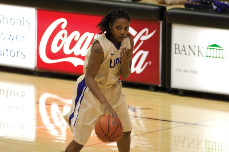 Senior+guard+Jasmine+Horne+surveys+the+defense+during%0ASaturday%27s+Gulf+South+Conference+game+against+Valdosta%0AState.%0A