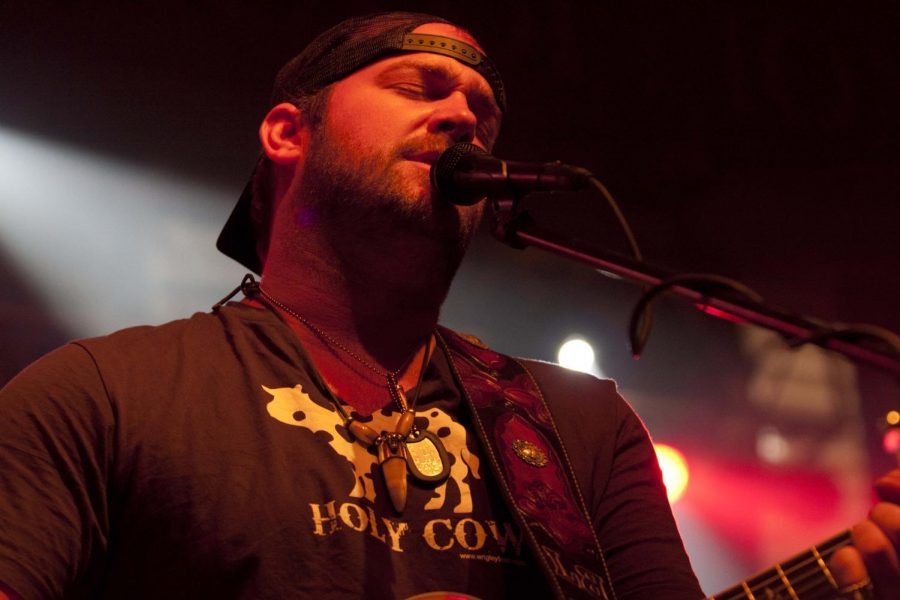 Lee+Brice%2C+country+music+artist+and+co-headliner+of+last+year%E2%80%99s%0Aspring+festival%2C+performs+in+Flowers+Hall+May+4%2C+2011.+UPC+paid%0ABrice+and+country+band+Gloriana+to+headline+the+festival.%0A