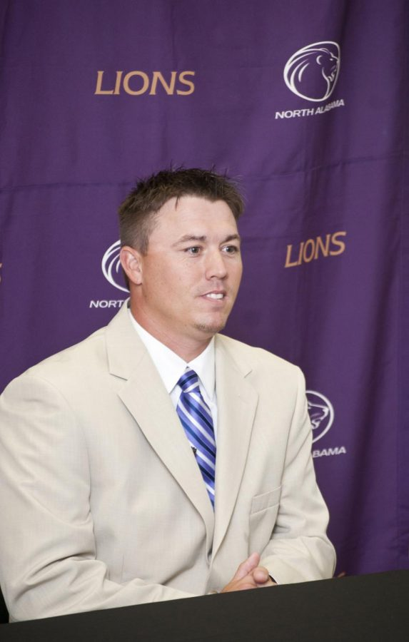 New+Lions+Head+Softball+Coach+Jason+Anderson+addresses+the+media+at+Thursday%27s+press+conference+where+UNA+Athletics+officials+introduced+him+to+the+UNA+community.%C2%A0%0A
