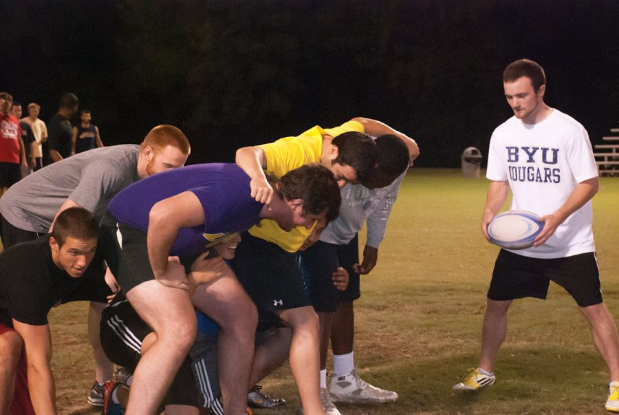 Members+of+the+UNA+Rugby+Club+practice+the+scrum+during+a+weekly+practice+at+Veteran%E2%80%99s+Park+Sept.+20.%0A