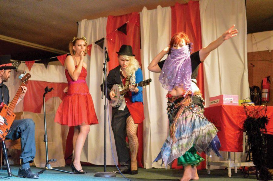 Burlesque+dancers+perform+a+song+at+Basement+Burlesque%E2%80%99s+Sept.+6+show+%E2%80%9CBirthday+Circus.%E2%80%9D