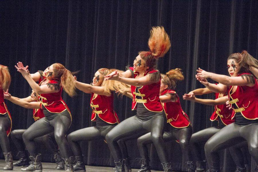 Phi+Mu+performs+at+Step+Show+2014+Oct.+17.+The+sorority+won+the+overall+competition+and+the+female+division.%C2%A0