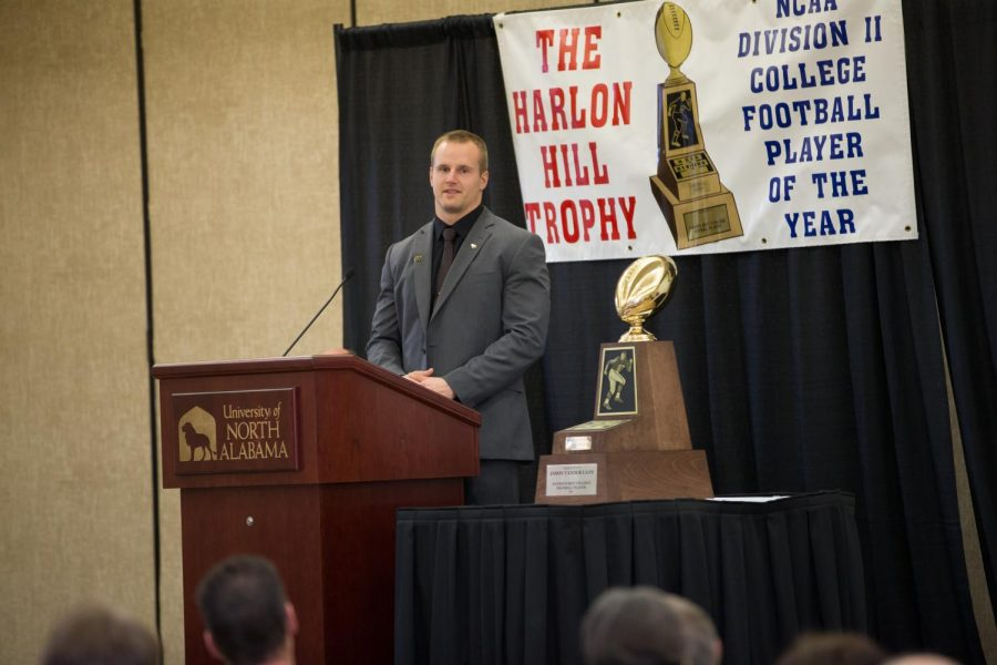 Ferris+State+University+quarterback+Jason+Vander+Laan+speaks+at+the+Harlon+Hill+Trophy+banquet+in+the+Guillot+University+Center+Jan.+9.+Vander+Laan+became+the+first+player+from+his+school+to+win+the+award.