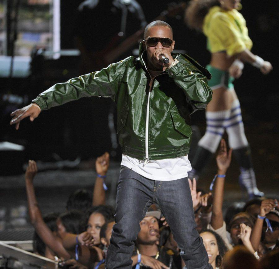 Rapper+T.I.+performs+at+the+BET+Awards+at+the+Nokia+Theatre+on+Sunday%2C+June+29%2C+2014%2C+in+Los+Angeles.+Pending+approval+of+the+contract%2C+he+will+perform+in+Flowers+Hall+April+24+at+7+p.m.+Up+to+4%2C000+students+can+attend+the+concert+free%2C+and+any+remaining+tickets+will+be+sold+to+the+general+public+for+%2430+each.