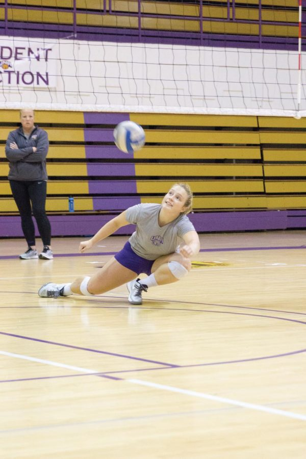 Sophomore+libero+Ashtyn+Kapovich+dives+for+a+dig+during+practice.+Kapovich%2C+the+reigning+2014+GSC+Volleyball+Freshman+of+the+Year%2C+hopes+to+lead+her+team+to+a+conference+championship+this+season.