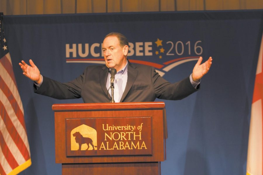 Gov.+Mike+Huckabee+%28R-Arkansas%29+speaks+to+UNA+students%2C+faculty+and+staff+Oct.+1.+College+Republicans+hosted+the+event.