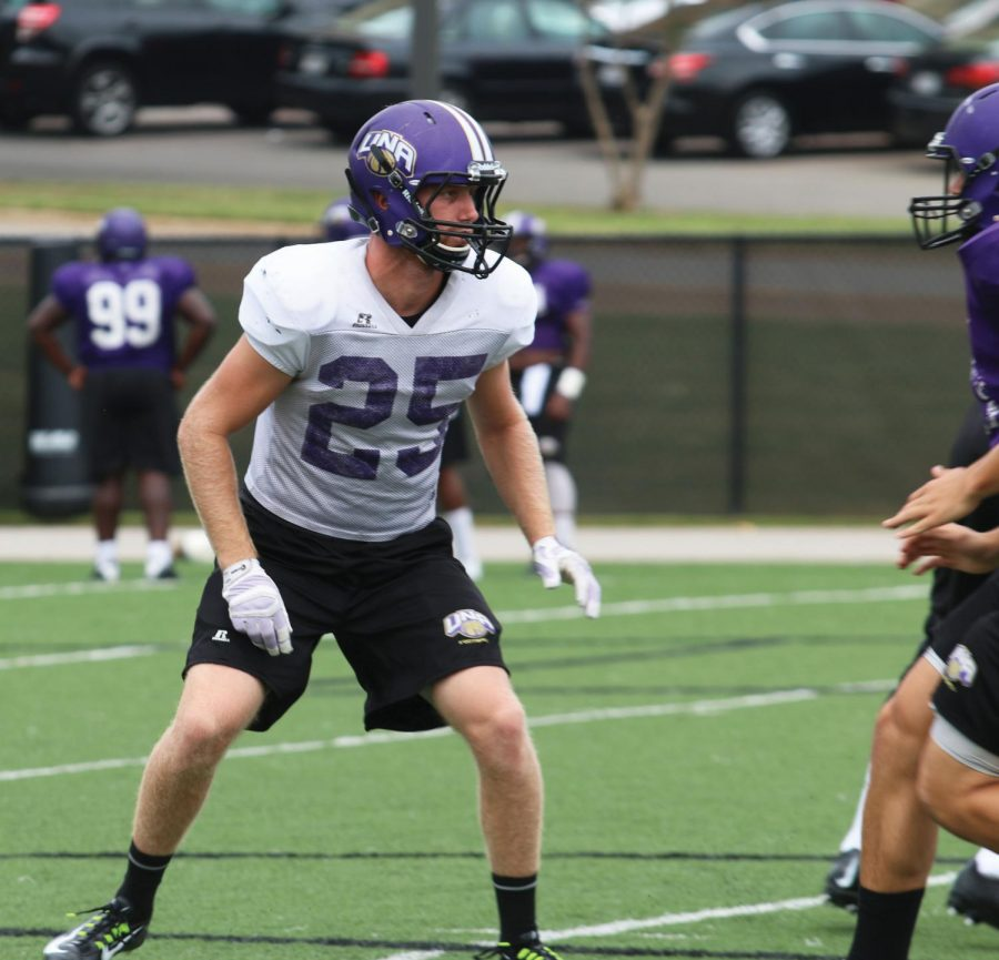 Former+UNA+wide+receiver+Eric+Belew+goes+through+reps+during+a+football+practice+this+season.+Belew+announced+Nov.+5+he+would+no+longer+play+for+the+Lions+due+to+numerous+concussions.