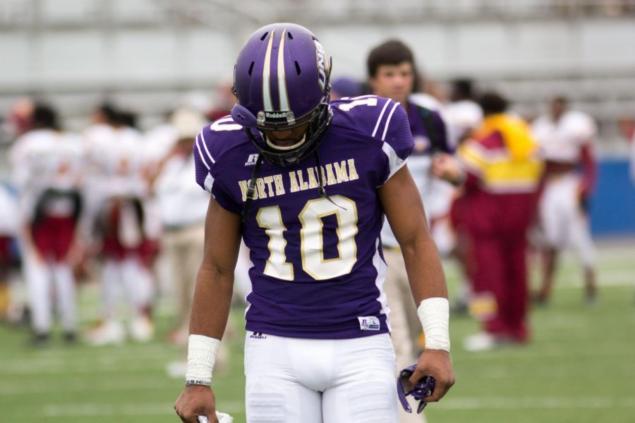 UNA+sophomore+wide+receiver+Dre+Hall+walks+off+the+field+in+disappointment+after+the+Lions+35-31+loss+to+Tuskegee+Nov.+28.+The+Lions+finished+the+season+with+a+9-3+recond%2C+including+6-1+at+home.
