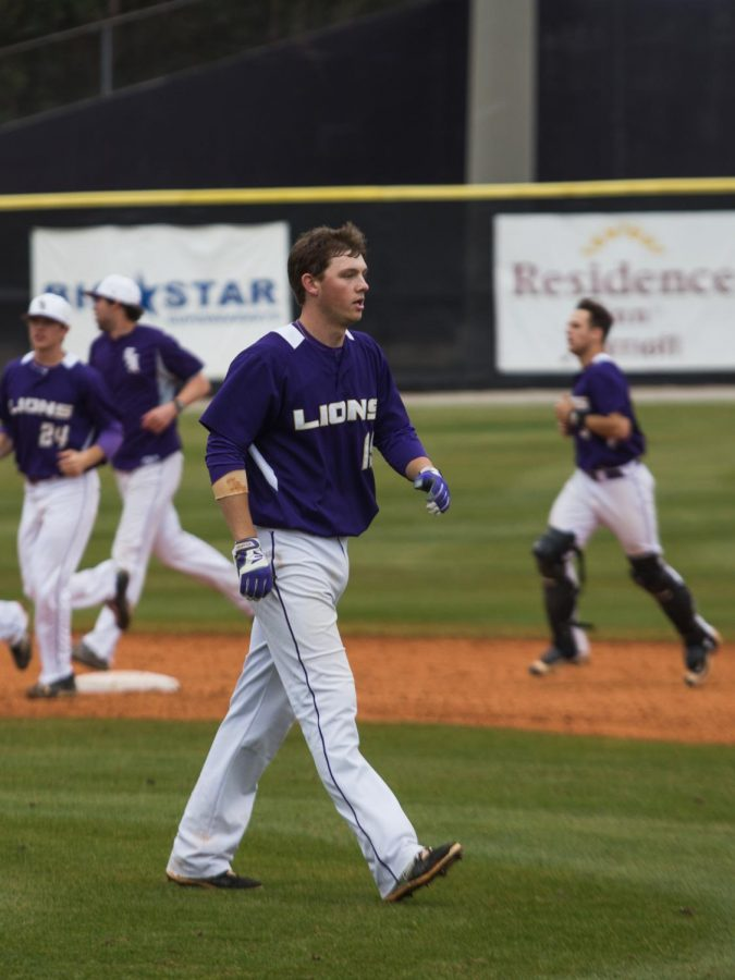 Freshman+shortstop+Peyton+Sockwell+exits+the+field+after+UNA%E2%80%99s+walk-off+win+against+West+Georgia+Feb.+20.+Sockwell+has+started+five+games+for+the+Lions.