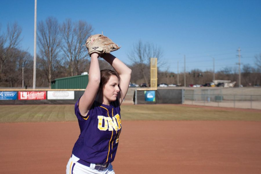 Junior+pitcher+Hillary+Carpenter+warms+up+during+practice+in+the+2015+season.+Carpenter+picked+up+win+No.+49+in+her+career+last+week%2C+setting+the+school+record+for+career+wins.+She+would+go+on+to+break+the+record+March+5+against+West+Florida.