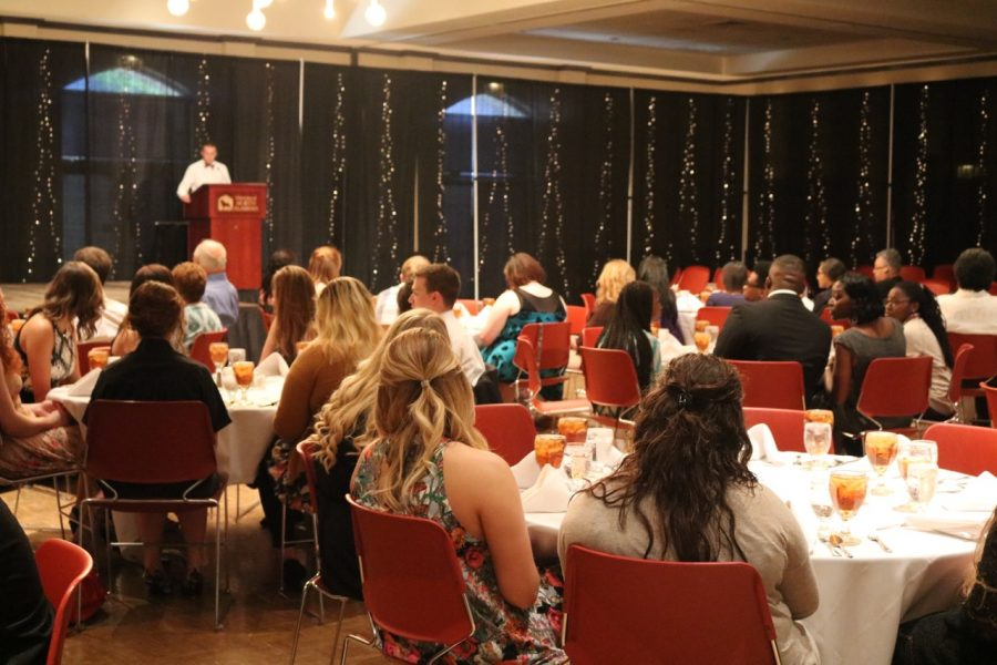 Students%2C+faculty%2C+staff%2C+SGA+members+and+their+families+gather+at+the+SGA+transition+dinner.+Many+incoming+and+outgoing+SGA+members+received+awards.