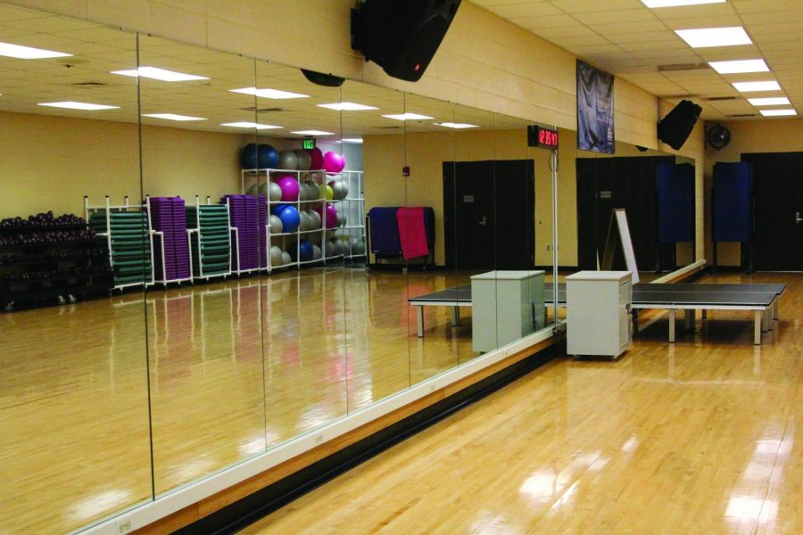 The+Student+Recreation+Center%2C+located+off+Pine+Street%2C+awaits+students+with+a+valid+Mane+Card.+The+SRC+offers+exercise+classes+to+the+interest+of+various+students.