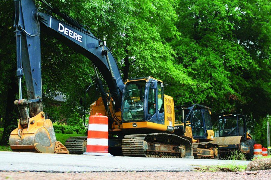 Construction+equipment+lines+Wood+Avenue+Aug.+21.+Students+should+use+Pine+Street+instead+of+Wood+Avenue%2C+said+City+Engineer+Bill+Batson.