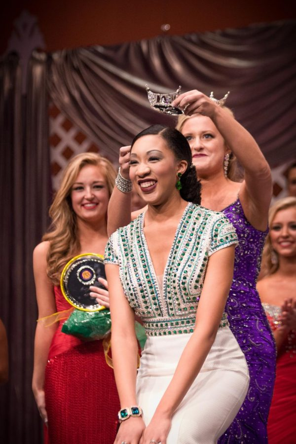 Miss UNA 2015 Rachel Wammack crowns Jocelyn Barnes as Miss UNA 2016. Eighteen women competed in the pageant Jan. 23 2016.