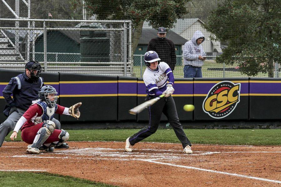 Sophomore+right+fielder+Shelby+Woodard+attempts+a+swing+against+Lee+March+11+at+the+UNA+Softball+Complex.+The+UNA+softball+team+suffered+its+first+home+series+sweep+to+a+Gulf+South+Conference+opponent+in+over+three+years+March+11-12+with+three+straight+losses+to+Lee.