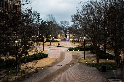 UNA finishes fall semester without going virtual